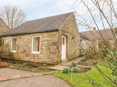 Photo for BARN CROFT COTTAGE, pet friendly, with a garden in Elton, Ref 878