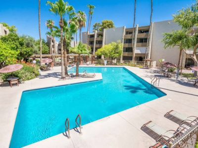 Photo for Gorgeous Renovated Condo in the heart of Old Town Scottsdal
