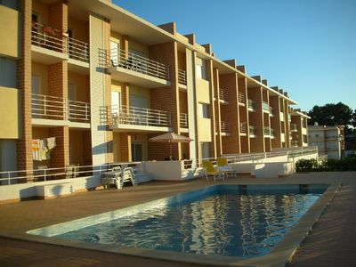 Photo for Luxurious 2 bed apartment with pool in beautiful Alvor