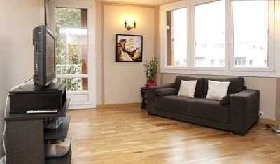Photo for Charming 2 rooms at Buttes Chaumont (Paris 19th)