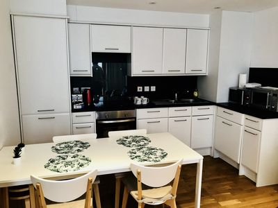 Photo for 2 Bedroom Spacious Apartment King Cross