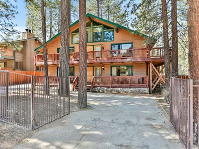Photo for Summit Escape Lodge: 4 BR / 3 BA home in Big Bear Lake, Sleeps 12