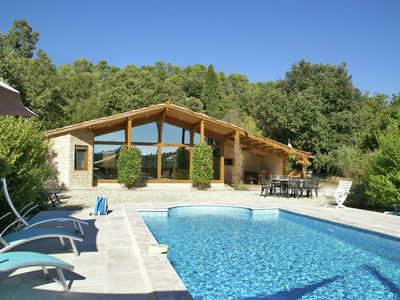 Photo for Stylish and spacious holiday villa with pool, close to the Lac de Ste. Croix
