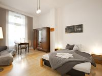 It was a lovely apartment and ideally situated. We had nothing but good things to say about it.