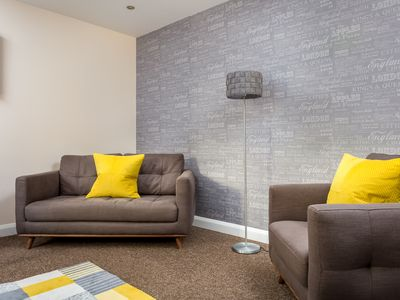 Photo for 2 Bedroom Modern Apartment