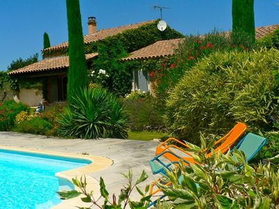 Photo for 3BR House Vacation Rental in Maubec, Provence-Alpes-Côte-D'Azur