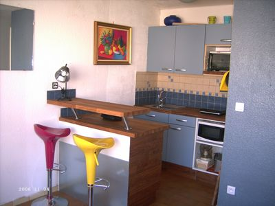 Photo for T1 bis, direct access to the beach, close to the shops in a nice location