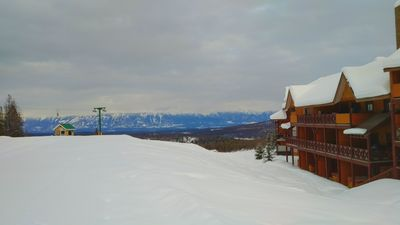"Photo for Owl's Nest ""Golf"" Chalet, Ski in/Ski out, Private Hot Tub, Stay 3, Pay 2**"