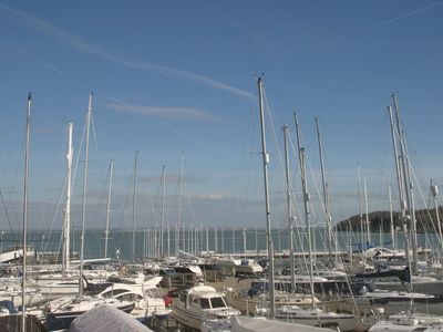 Photo for Gorgeous Townhouse Overlooking Cowes Marina