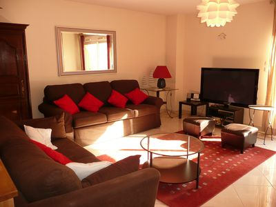 Photo for a few steps from the port, apartment 3 air-conditioned rooms, terrace, private parking