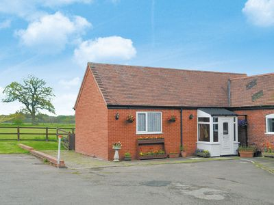 Photo for 2 bedroom accommodation in Beoley, near Redditch
