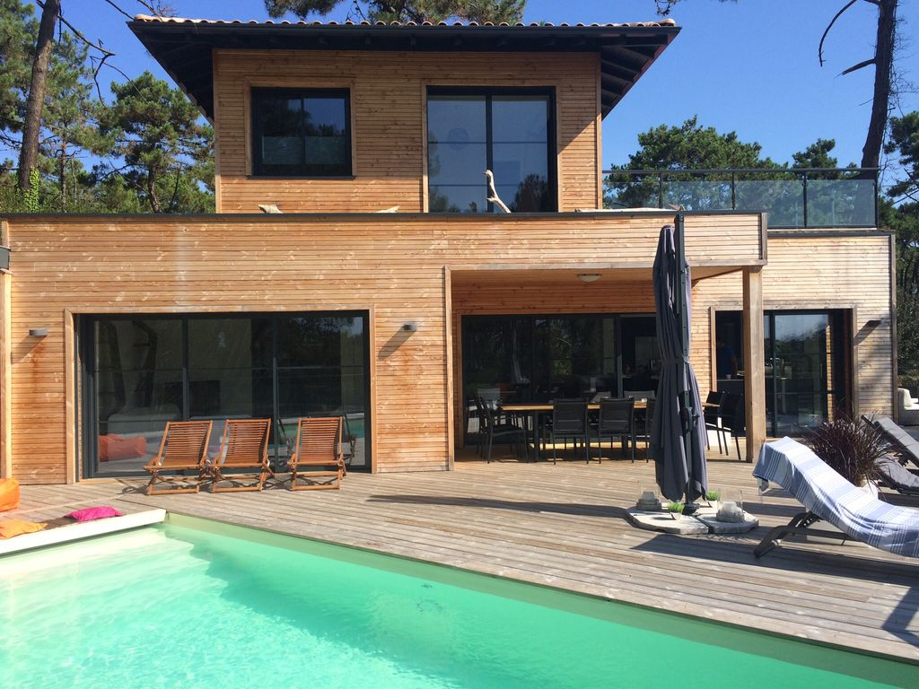 la villa maison d 39 architecte avec piscine vue sur le bassin cap ferret bassin d. Black Bedroom Furniture Sets. Home Design Ideas