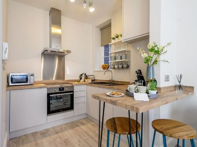 Photo for Heart of the City Luxury Apartment - sleeps 2 guests  in 1 bedroom
