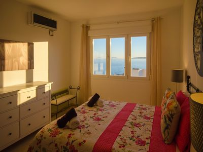 Photo for APARTMENT PUERTO PARAISO-Views of the sea and direct access to the beach