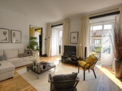 Photo for Spacious Dom Duarte Dois apartment in Baixa/Chiado with WiFi, air conditioning & balcony.