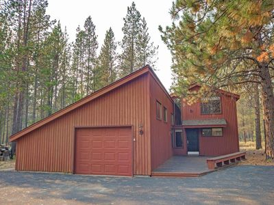Photo for A quiet & cozy cabin that is perfect for the entire family & close to it all!