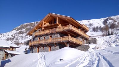 Photo for Beautiful comfortable cottage, spacious, at the foot of the slopes, Les Ménuires