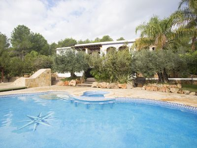 Photo for House with 6 bedrooms and 6 bathrooms with pool, garden, terraces and 2 BBQ areas