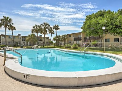 Photo for Fort Walton Beach Condo w/ Pool - 6 Min. to Gulf!