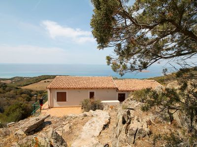 Photo for Wonderful private villa with A/C, TV, washing machine, pets allowed and parking