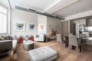 London Home 202, How to Rent Your Own Private Luxury Holiday Home in London - Studio Villa, Sleeps 3