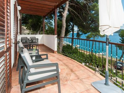 Photo for One bedroom apartment near beach Mali Lošinj, Lošinj (A-3444-a)