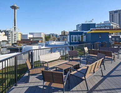 Photo for Iconic Views steps to Space Needle / City Center