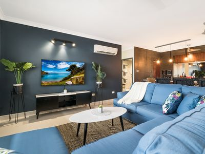 Photo for 4 BEDROOM GARDENS ESCAPE / CHAMPAGNE STAYS DARWIN