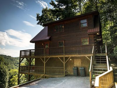 Photo for 36 North - Walk down to the river! Has hot tub and fire pit!