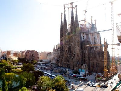 Photo for Spacious apartment with balcony, and direct view to the Sagrada Familia!