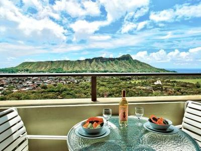 Photo for 1BR Deluxe Suite w/ Mountain View, Resort Pool, Kitchen- Steps to Waikiki Beach