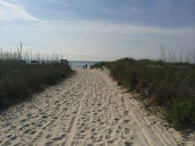 Photo for Enjoy  golf, the beach and beautiful sunsets in the Low Country