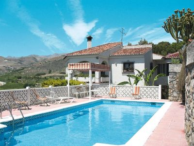 Photo for Almunecar Apartment, Sleeps 4 with Pool, Air Con and Free WiFi