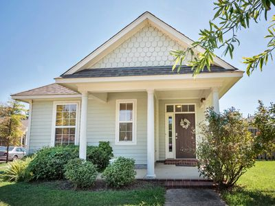 Photo for Charming Memphis House in the Heart of Downtown!