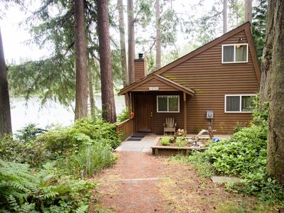 Photo for Charming private lake house with private dock (242)