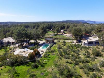 Photo for Vacation home Sea Ranch (BRC315) in Brac/Splitska - 10 persons, 4 bedrooms