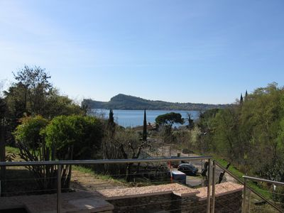 Photo for Holiday home 50 meters from the lake with Jacuzzi