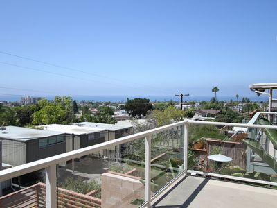 Million Dollar Views, 750 ft of Decking with Fire Table, Walk to Beach/Shops