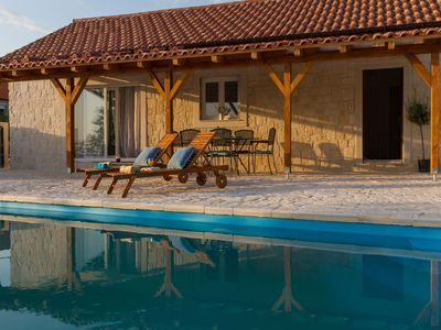 Photo for Beautiful holiday home with private pool, roofed terrace, great panoramic view