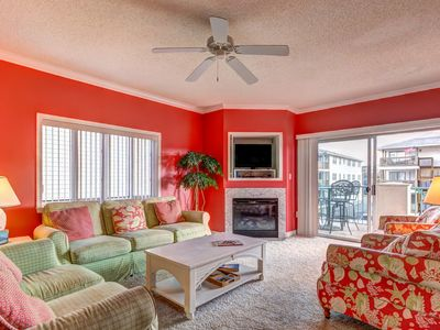 Photo for Family-friendly oceanview condo w/ shared pool, fireplace, and balcony