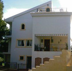 Photo for Villa with Pool - Sleeps 6.  Only 7 minutes drive from Benidorm