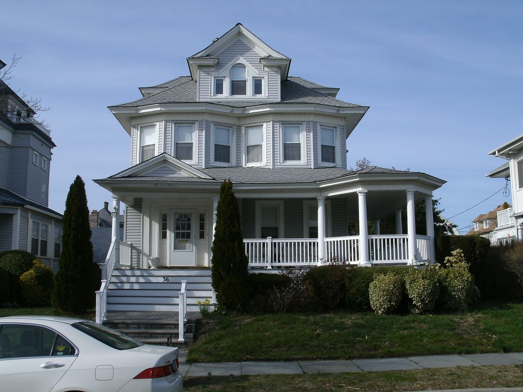 Classic avon shore house half block from beach with off for Classic new jersey house music