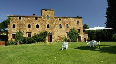 Photo for 8BR Villa Vacation Rental in Arezzo, Toscana