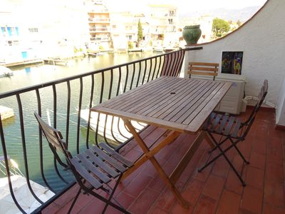 "Photo for Cozy apartment overlooking the canal, near the ""Aiguamolls de l'Empordà"""