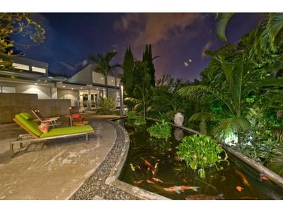 Most Contemporary Estate in the heart of Honolulu-Luxury Living .
