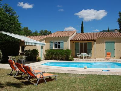 Photo for Detached villa by Mont Ventoux