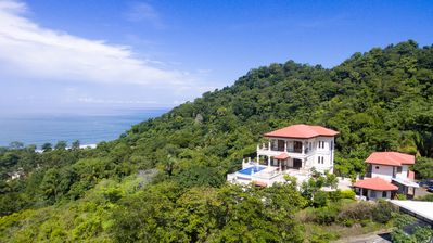 Photo for Breathtaking views of Ocean and Mountain - CASA BISILY