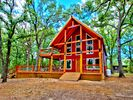 1BR Cabin Vacation Rental in Wills Point, Texas