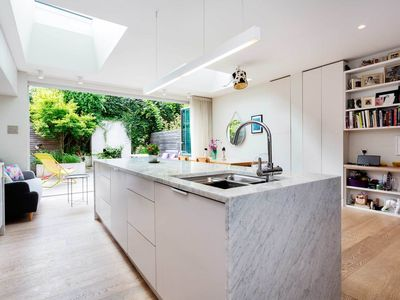 Photo for Located next to London Fields - 4 bedroom home, perfect for families (Veeve)
