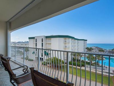 Photo for Beautiful 3rd-floor condo w/ pool & tennis courts! Right next to the beach!